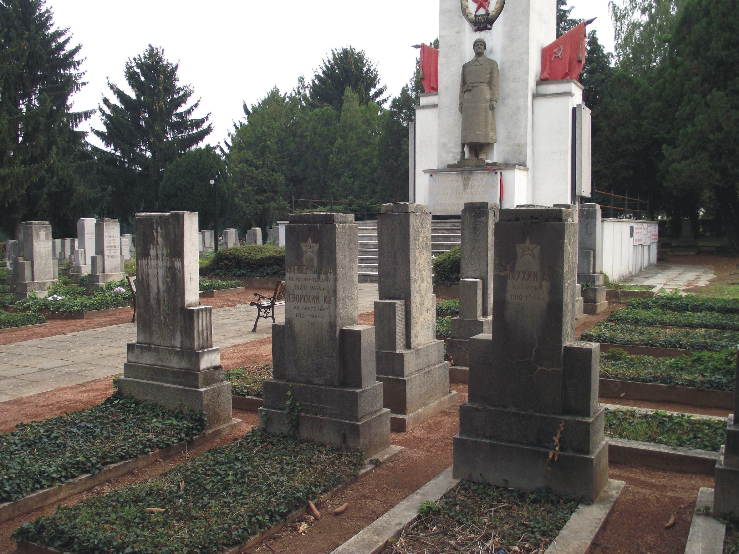 Grave_3.jpg.789e86e30ba917ea62e87113b6ff9e39.jpg
