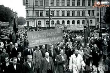 013_Demonstraciya_trudyaschihsya_g_Rigi_posvyaschennaya_prinyatiyu_Latvii_v_sostav_SSSR.jpg