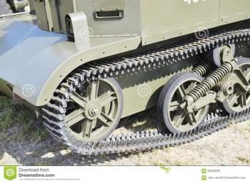 military-track-bren-gun-carrier-geelong-re-enactment-group-had-display-as-part-geelong-s-australia-day-66438058.jpg